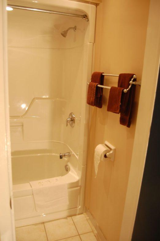 carleton-place-accommodations_DSC_0515